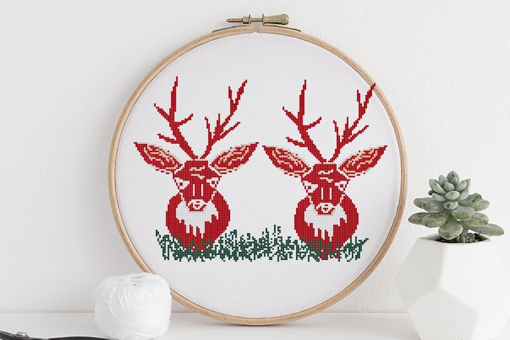 Cross stitch pattern PDF - Christmas deer