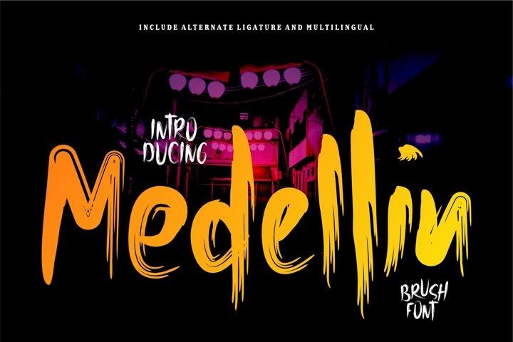 Madelin - Brush Font