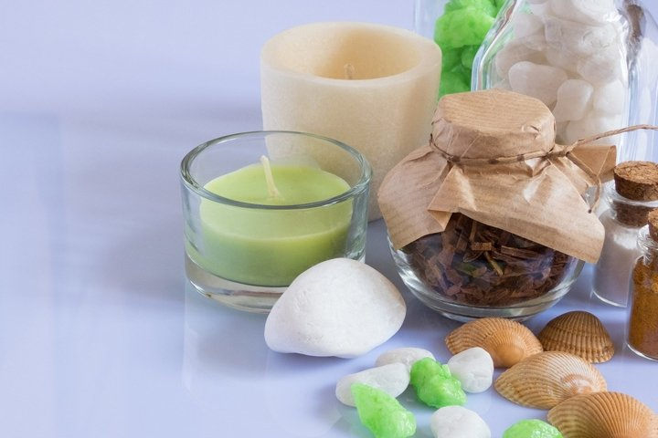 Ingredients and spice for aromatherapy and body care