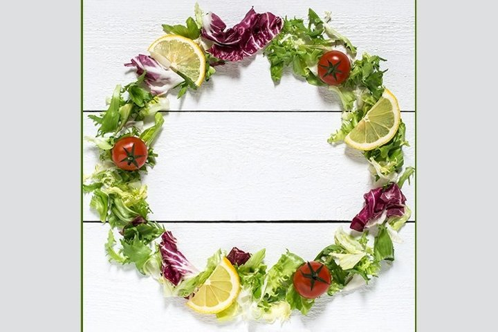 Wreath of lettuce and vegetables