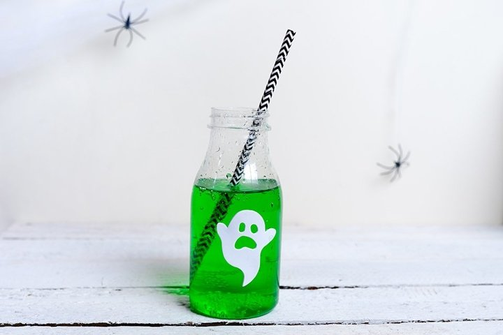 Cute green Halloween drink for a kids party