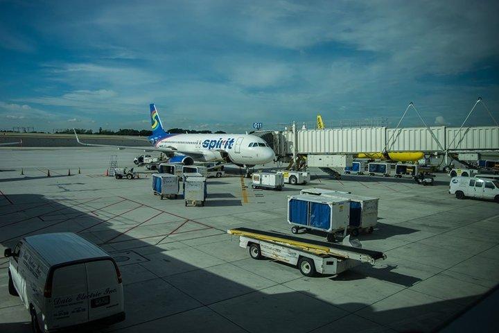 Spirit plane boarding at noon