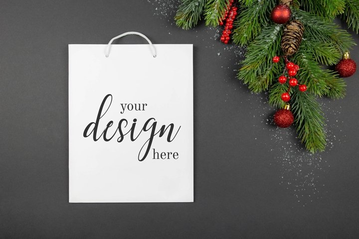 White shopping bag mockup. Christmas decorations. PSD.