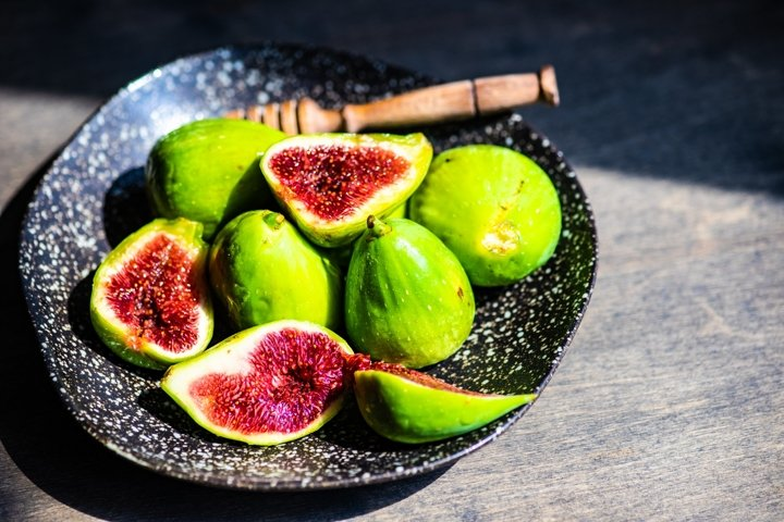 Fresh common fig fruits