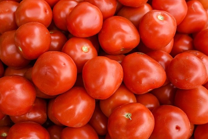 Tomatoes in a traditional market