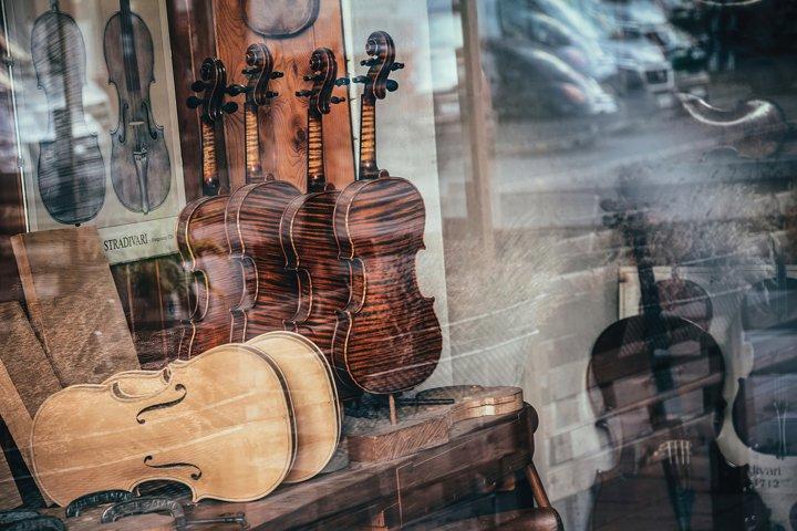 Vintage violin workshop in Krakow