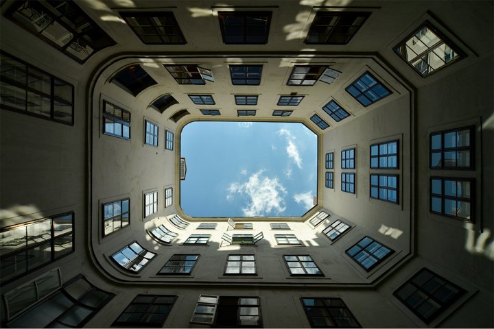 Symmetry, abstraction and abstractionism in architecture