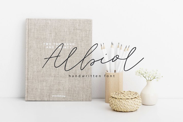 Albiol | Multilingual Handwritten Script Font