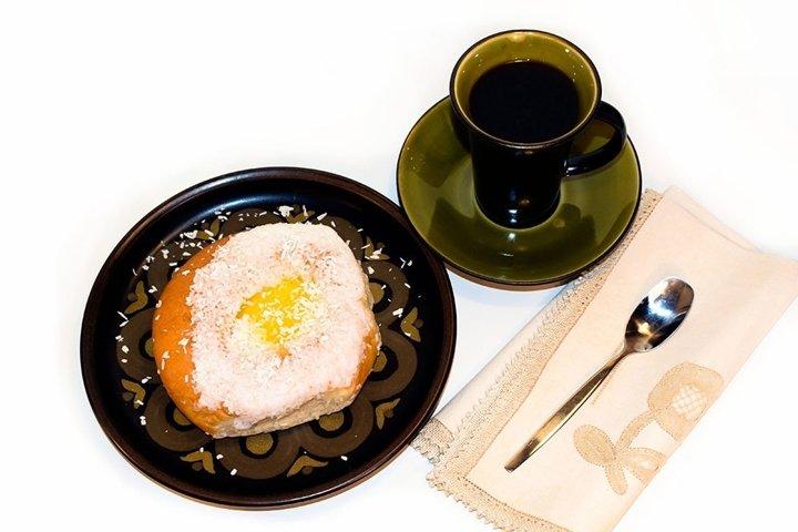 Fresh Norwegian bun and coffee