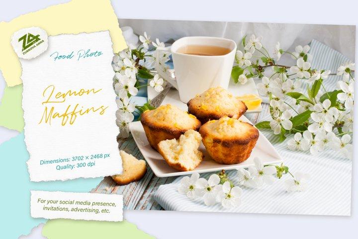 Food photo Lemon muffins. The bright light spring photo.