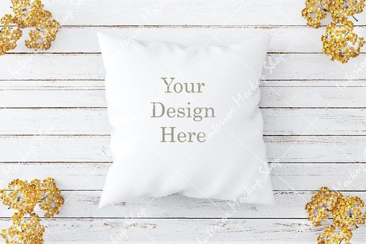 Pillow Mockup, White Pillow Mockup / 189