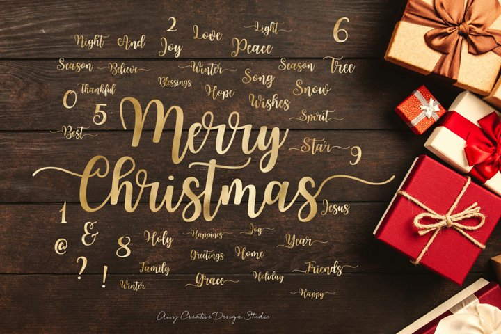 Christmas Text in Gold and Bonus Cliparts