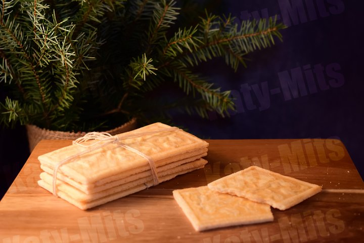 Norwegian sweet bread. Cardamom cookie, cracker, waffle.