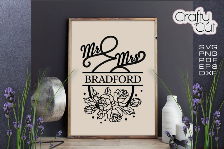 Mr and Mrs sign, Family Last Name Floral wreath, Rustic Sign