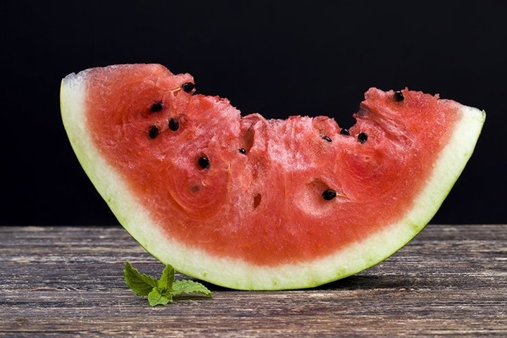 pieces of red watermelon