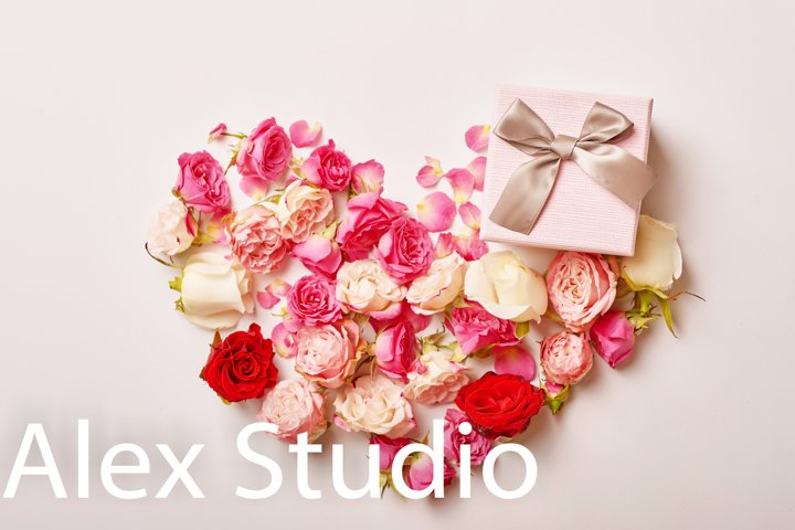 Greeting card for mothers day.Flower card.