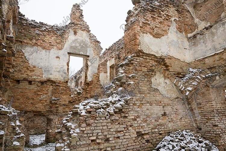 castle ruins in Europe example image 1