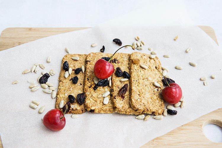 Granola cookies with raisins, cherries and seeds.