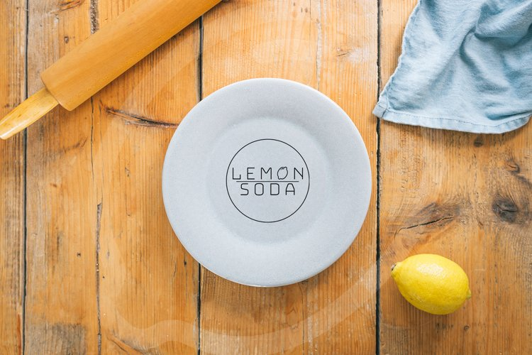 Mockup | mockup plate on wooden table | table setting example image 1
