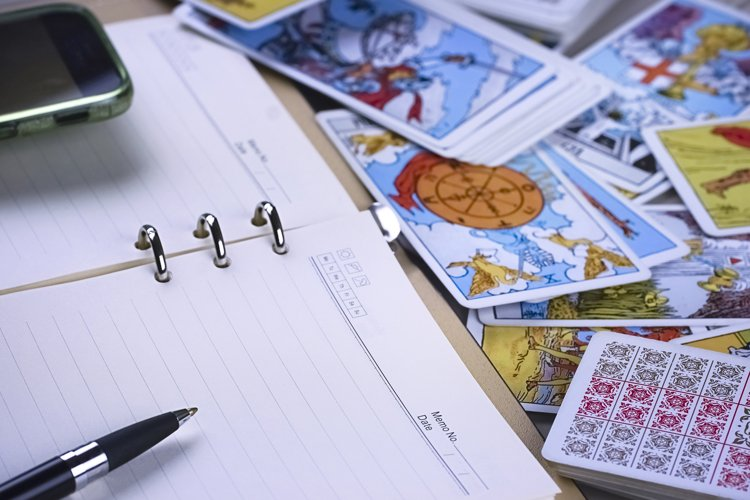 Online forecasting the future with tarot cards example image 1
