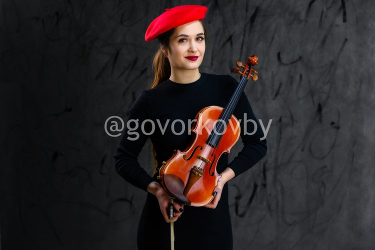 17 stylish conceptual photos of a girl with a violin