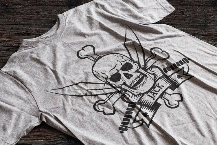 Jolly Roger bones & sabers example 3