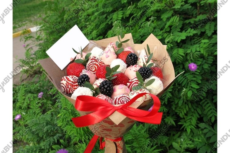Photo strawberry blackberry berry sweet chocolate bouquet example image 1