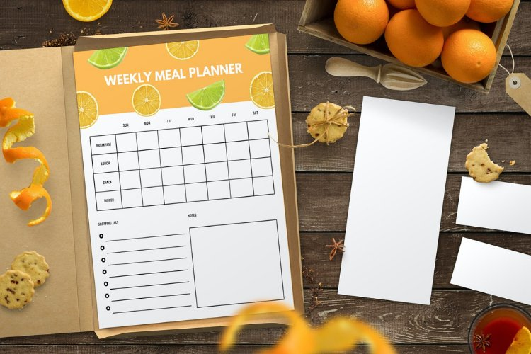 4 Fruit Themed Weekly Meal Planner Canva Templates example 4