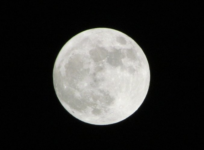 Full Moon example image 1