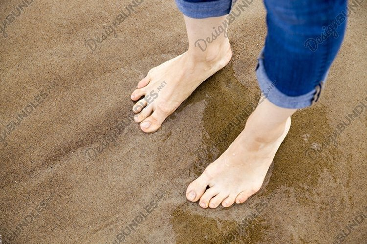 feet of a girl example image 1