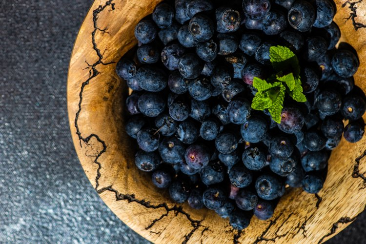 Organic blueberry berries in a bowl example image 1