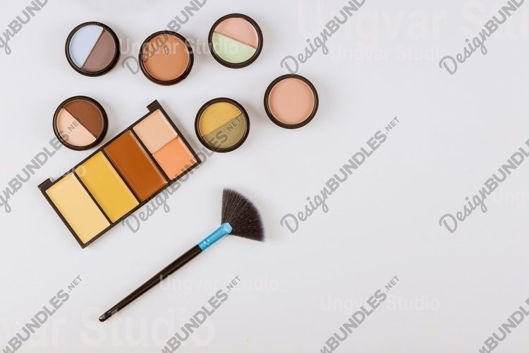 Professional pallet of eye shadow multicolor bright makeup o example image 1
