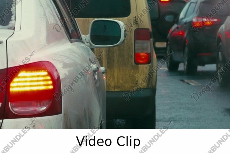 Video: Bumper-to-bumper traffic on dull day example image 1