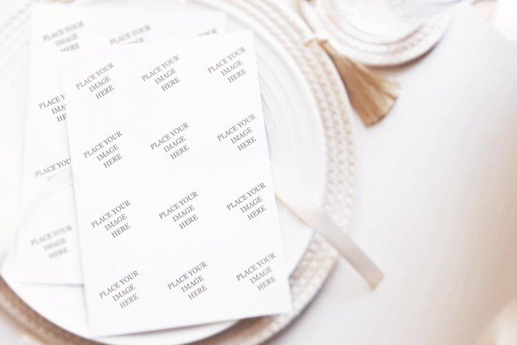 Mockup Wedding Plate, photorealistic mockup example image 1