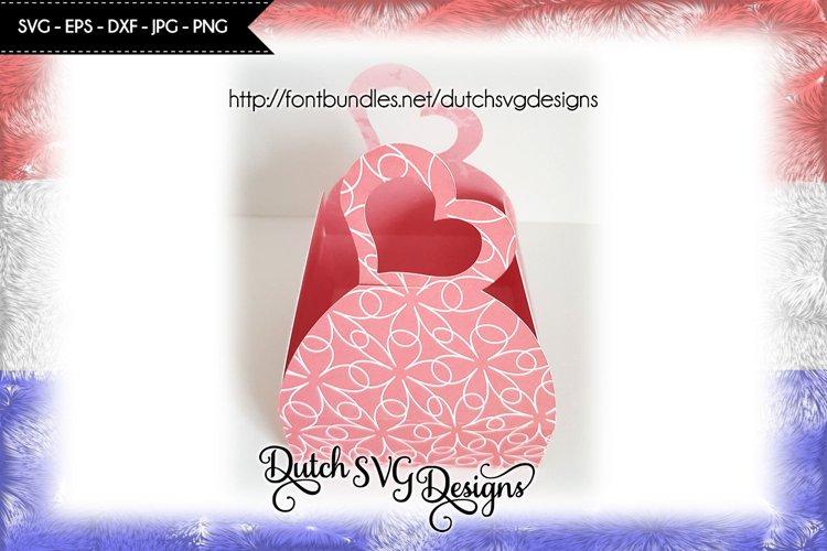 Box cutting file with heart, valentine svg, box svg, mom svg