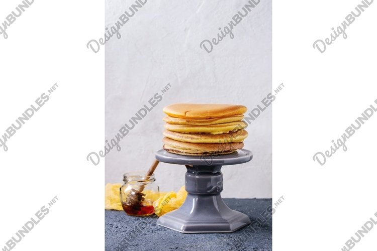 Ombre turmeric pancakes example image 1