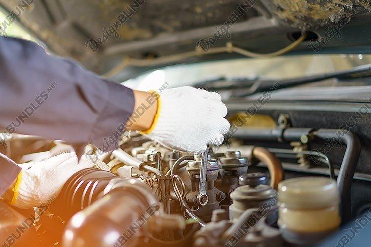 Auto mechanic Car Maintenance example image 1