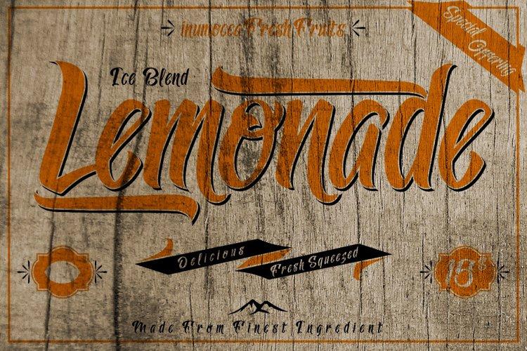 Lemonade Typeface with 5 Badges Bonus