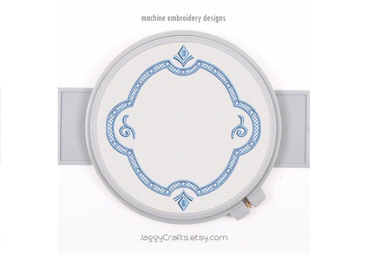 Decorative vintage Victorian oval monogram font border frame example image 1