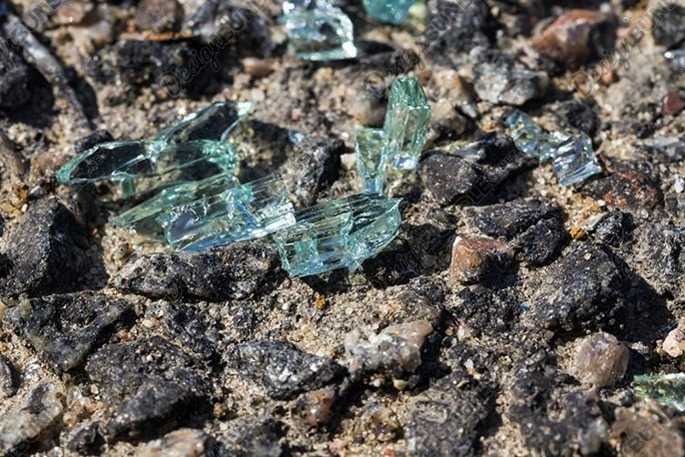 glass from the car example image 1
