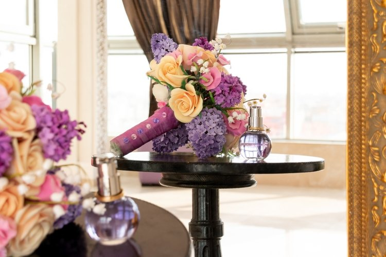 bouquet of flowers and perfume. example image 1