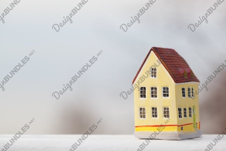 Miniature house figurine example image 1
