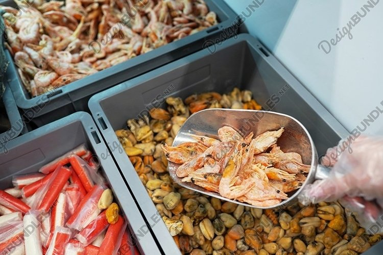 Fresh seafood in the store, customer example image 1