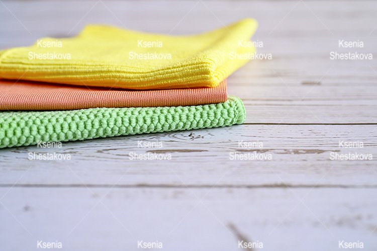 universal wipes for home cleaning on a wooden table example image 1