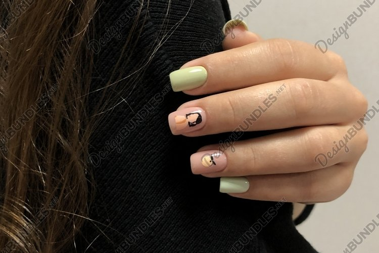 Bright multi-colored design of manicure example image 1