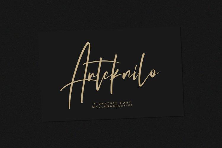 Arteknilo Signature Script Font example image 1