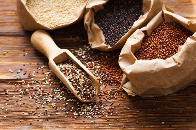 Mix of quinoa seeds example image 1