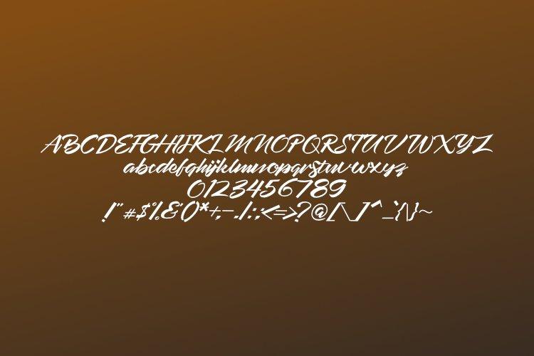 EMPATLIMA TYPEFACE example 4