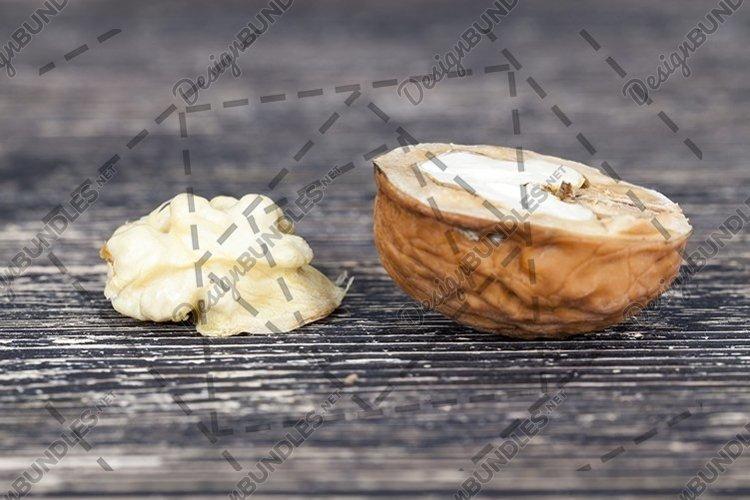 Walnut kernels example image 1