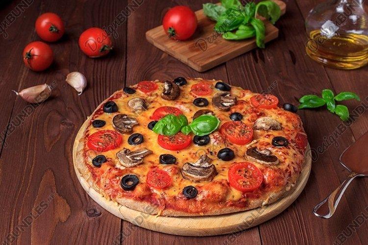 Bundle of six photos of traditional Italian vegetarian pizza example image 1